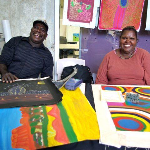 artsworkers Peter & Jennifer from Mangkaja Arts by Carol Seidel